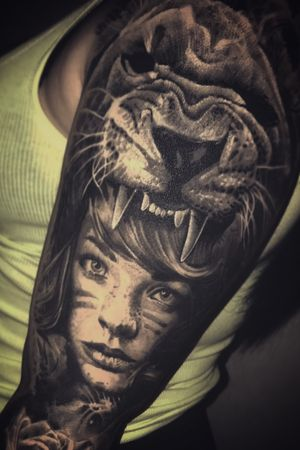 #intenzepride #fkirons #inkeeze #sullen #realistictattoos #lion #portrait #portraittattoo #tattoodo #tattooartistmagazine #tattoo #tattoos #tattooart #tattooistartmagazine #inkedmag #thebestspaintattooartists #thebesttattooartists
