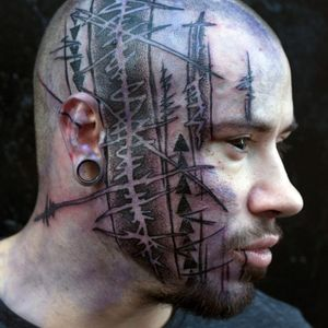 Tattoo by Yonah Krank #YonahKrank #facetattoos #facetattoo #scalptattoo #headtattoo #jobstoppers #illustrative #sketch #blackwork #darkart
