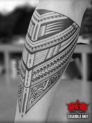 Freehand Samoan, Maori Kirituhi mix forearm band, Taulima. #Samoan #Maori #Kirituhi #Polynesian #freehand #samoantattooartist #newzealandtattooist