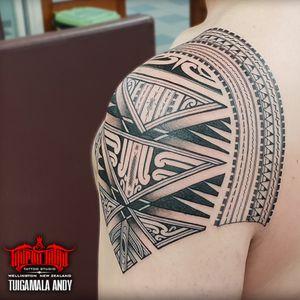 Another angle of Samoan/Maori Kirituhi shoulder  #Samoan #Maori #Kirituhi #Polynesian #freehand #samoantattooartist #newzealandtattooist