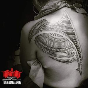 Contemporary #Samoan back piece. #femaletattoo #Polynesian #freehand #samoantattooartist #newzealandtattooist