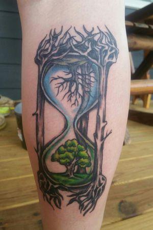 #turtlestyletattoocompany #tattooartist #tattooart #tattoo #tattoos #artist #customized #hourglass #treetattoo #naturetattoo #realism #illustration #summer #winter #sexy #inkedgirls #womanwithtattoos #color #leg #calf #tattooed #bodyart #inked #drbronners #inkeeze #valorrotary #kingpintattoosupply #primecartridges #freshink