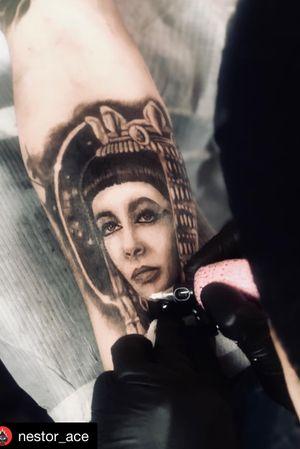 First session on yesterday's piece. #cleopatra #inprogress #tattoo #tatts #tatted #tattooed #tattooist #tattooistartmag #tattoodesign #ink #inked #inkjunkeyz #inkeeze #inkaddict #inklife #inkstagram #vanlife #vancouver #vancouverisland #vancity #vancitybuzz #tatuajes #bestoftheday #