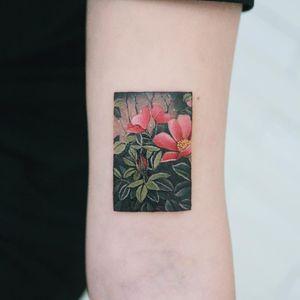 Tattoo by Sion #Sion #tattoodo #tattoodoapp #tattoodoappartists #besttattoos #awesometattoos #tattoosforgirls #tattoosformen #cooltattoos #flower #floral #leaves #nature #color