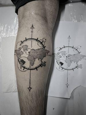 Arte exclusiva para nosso amigo Roberto! 😍✍️🌍🌎🌏 Faça já seu orçamento! (62) 9 9326.8279 #tattoo #ink #blackwork #tattoolife #Tatuadouro #love #inkedgirls #Tatouage #eletricink #igtattoo #fineline #draw #tattooing #tattoo2me #tattooart #instatattoo #tatuajes #rosadosventos #travel #tatuagemfeminina #tatuagemmasculina #TravelTattoo #england #brazil #fineline #maps