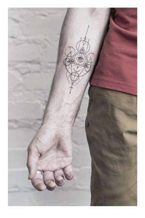 #geometrytattoo #tattoomoscow #tattoogeometric