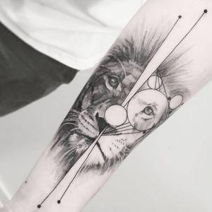 #тату #лев #trigram #tattoo #lion #inkedsense #tattooist #кольщик