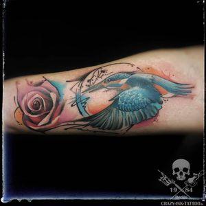 Moin moin,  hier ein #eisvogeltattoo . kurzfristig Termine möglich... . Infos, Auskünfte, Fragen, wie immer +4917627112764 auch WhatsApp...⠀⠀ . 📷@crazy.ink.tattoo.berlin . https://crazy-ink-tattoo.de . https://facebook.com/crazy.ink.tattoo.berlin . https://instagram.com/crazy.ink.tattoo.berlin . https://plus.google.com/+CrazyInkTattooBerlin . . . . #tattoo #tattoos #berlin #tattooberlin #tattoomoabit #tattooshopberlin #crazyink #crazyinkberlin #crazyinktattoo #crazyinktattooberlin #tattoist #berlintattooer #bodyart #berlintattooartist #berlintattooartists #tattooart #tattooideas  . #tattooideasforgirls #naturetattoo #colortattoo #colortattoos #rosestattoo #girlwithtattoo #kingfishertattoo #birdtattoo #watercolortattoo #aquarelltattoo #aquarelletattoo #abstracttattoo