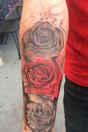 #rose #redrosetattoo #pumpinginktattoo #tattoogiant1 #forearm