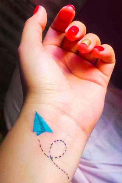 #origami #paper #plane #color #blue #black #linework #tattooart #arte #artwork