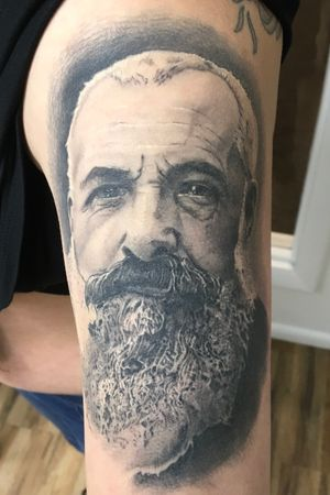 Monet portrait healed
