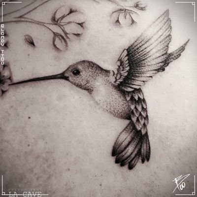 #birdtattoo #bird #hummingbirds #hummingbirdtattoo #backtattoo #wings #wingstattoo #dotwork #dotworktattoo #Brussel #bruxelles #belgium #lacave #blondy #blackandgrey #bruxelles #feather #cute #cutetattoo #smalltattoo #small
