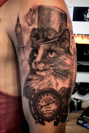 Steampunk cat with portrait of customers cat!  Had a lot of fun creating this one 💯