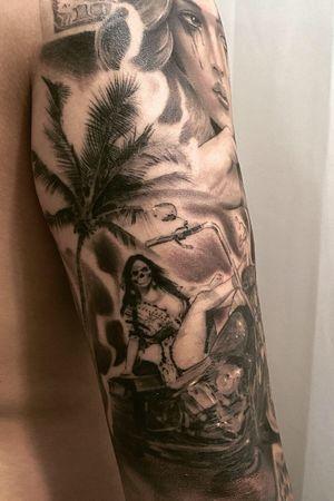 Palmtree & Skullgirl black and gray chicano blackwork korean harley davidson