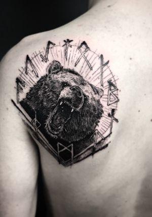 Angry bear 🖤🖤🖤            #tattoo #tattoos  #ink #inked #blackwork #blackworktattoo #montpellier #darkartists