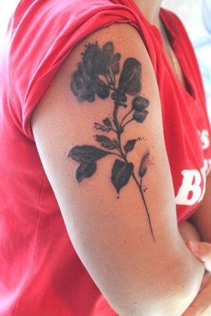 #tattooartist #tattooflower #tattooblakwork #inked #tatt #tattootashkent