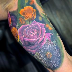 Had a blast finishing off this half sleeve for holly yesterday! Got a floral tattoo idea? Would love to here it!