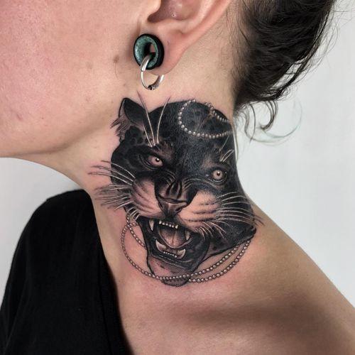 Tattoo by Antony Flemming #AntonyFlemming #necktattoos #necktattoo #neck #jobstopper #pearls #blackandgrey #jaguar #cat #junglecat #neotraditional