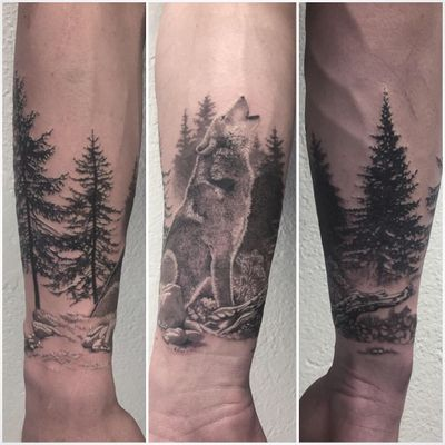 #photooftheday #tattoo #tatouage #wolf #wolftattoo #forest #foresttattoo #realistic #realistictattoo #blackandgrey #blackandgreytattoo #blackandwhite #blackandwhitetattoo