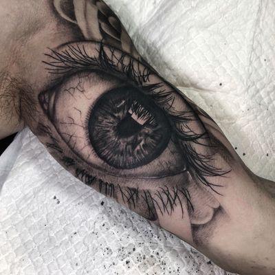 Black & Gray Eye