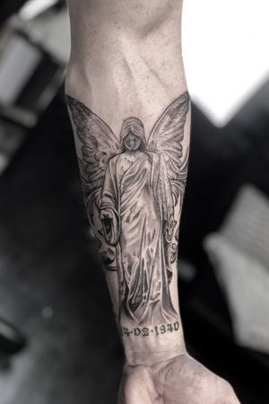First step of a sleeve I'm working on right now. Cant wait to continue. #angel #statue #angelstatue #religioustattoo