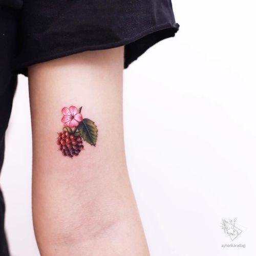 Tattoo by Ayhan Karadag #AyhanKaradag #foodtattoos #foodtattoo #food #nutrition #cheftattoo #color #watercolor #realism #realistic #hyperrealism #flower #berry #blackberry #fruit