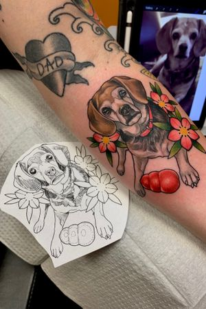 All starts with the reference in the back, to the sketch on the left, to the finished tattoo. Had the pleasure of doing this portrait of Tim's little girl Lucy. Sadly Lucy had passed in December. I'm sorry for your loss. But thank you for driving down and trusting me by letting me do this piece. 🙏🏻