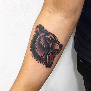 Bear 🐻 . . . . #gracias #tattoo #beartattoo #vzla #pty #507 #oldschooltattoo #neotraditionaleurope #love #tattoopanana