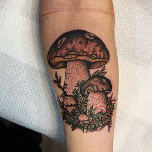 Tattoo by Joe Tartarotti #JoeTartarotti #traditionaltattoo #traditional #color #Italy #italiantattooartist #mushrooms #folkart #nature #plant