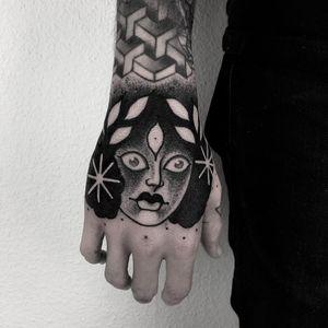 Tattoo by Laura Yahna #LauraYahna  #InternationalWomensDay #WomensHistoryMonth #femaleartists #femaletattooist #femaletattooartist #empower #support #solidarity #love