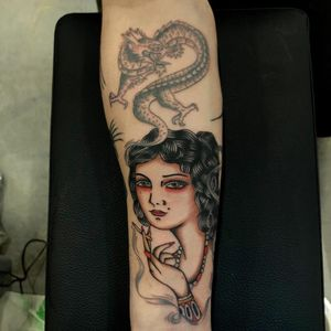Tattoo by Joe Tartarotti #JoeTartarotti #traditionaltattoo #traditional #color #Italy #italiantattooartist #ladyhead #lady #smoke #cigarette #dragon