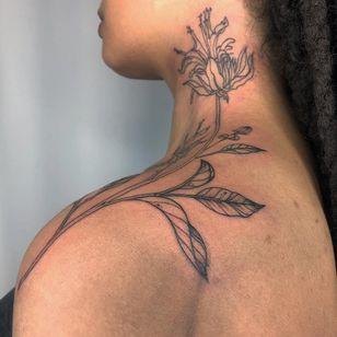 Tattoo by Brittany aka humblebeetattoo #Brittany #humblebeetattoo #InternationalWomensDay #WomensHistoryMonth #femaleartists #femaletattooist #femaletattooartist #empower #support #solidarity #love