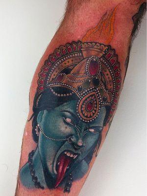 Tattoo by Antony Flemming #AntonyFlemming #Kalitattoos #kalithedestroyer #goddessKali #Hindu #HinduGoddess #deity #pearls #gem #crown #color #realism #realistic