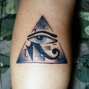 Eye egypt pyramid pirámide tattoo