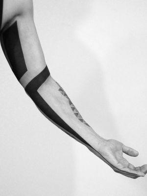 #black #freehand #cover #design #geometry #geometric #geometrytattoo #geometrictattoo #blackwork #minimal #line #linetattoo #tattooed #inked #xystudio #gdansk #trojmiasto