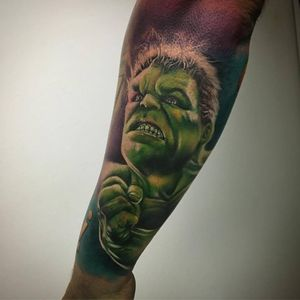 Marvels Incredible Hulk in colour - froearm.