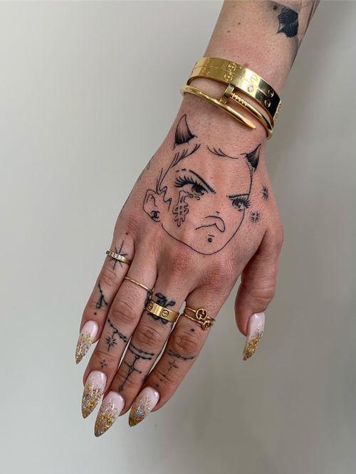 Tattoo by Soto Gang #SotoGang #besttattoos #favoritetattoos #uniquetattoos #specialtattoos #tattoosformen #tattoosforwomen #anime #manga #handtattoo #portrait #moneysign #ladyhead #portrait #devil