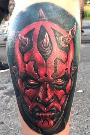 Darth maul, done by Louis Vicedo Dones            Atelier 22 tattoo #tattooart #DarthMaul #darthmaultattoo #colortattoo #louisvicedodones #legtattoo #starwarstattoo