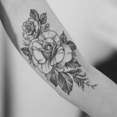 Beautiful roses. #flora #floral #floraltattoo #armtattoo #floraldesign #flowers #rose #roses #stunning #beautifultattoo #lineart #linework #linetattoo #blossoms #blackandgreytattoo #fineline #fineart #finelinetattoo #FineLineTattoos #blackroses #blackrosetattoo #armtattoos #nature #naturetattoo #flower #flowertattoo #flowerpower #wowtattoo #amazingink #amazingtattoo #beauty #ArtistUnknown #unknownartist
