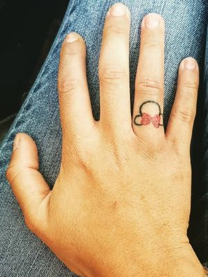 #disneytattoo #waltdisneytattoo #minnieandmickey #minniemouse #Minnie #hand