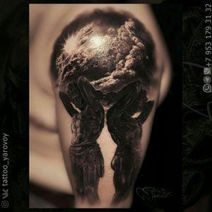 Realistic tattoo black and gray with Atlants.  Черно-серый реализм Атланты.