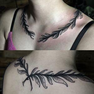#blackwork #blacktattoo #wreath #necktattoo #blackandgrey #blackAndWhite #tattooer #girltattoo