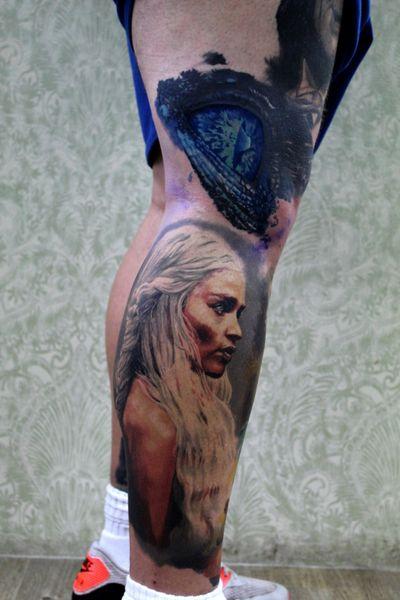 This beauty #gameofthrones tattoo healed! The eye is fresh! #realismo #realistic #realistictattoos #portrait #got #daenerys #daenerystargaryen