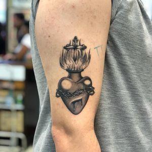 😎 #hearttattoo #blackandgreytattoo #blackandgrey #buenosaires #flames #inked