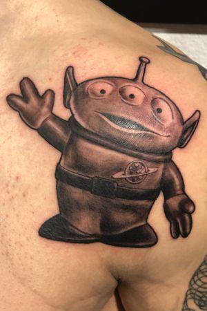 @green_pearl_tattoo #melfortat #braunschweigtattoo #greenpearltattoo #tattoo #tattoos #tttism #ink #inked #bnginksociety #tattoolife #tattoolovers #inkstagram #blackandgreyrealism #tattoooftheday #toystory #alien #Braunschweig #tattoodesign #inkjunkeyz @realistic.ink @realistic.tattooos