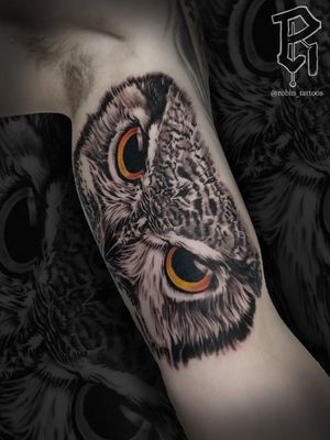 Owl face tattoo. For bookings: email me at robinstattoos@gmail.com . . . . . . . . . #blackandgreytattoo #owltattoo #realismtattoo #realism #newjerseytattooartist #nyctattoos