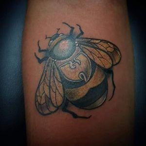 Killer bee #teamblacksheeptattoos #chapmanink #capetownink #capetowntattoo #southafricaink #tattooaddictsouthafrica #tat #tats #tattoo #tattoos #tattooed #inked #inkedup #wutang #killerbeez #tsafrica #tattoosocietyafrica #tattooeddudes #guyswithtattoos #fkirons #fkironstattoomachines #spectra #spektraxion