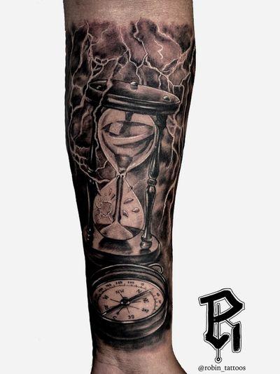 For Bookings email at robinstattoos@gmail.com . . . . . . . . . . . . #blackandgreytattoo #newjerseytattoos #newjersey #realism #realismtattoo #nyc #nyctattoo #tattooartist #hourglasstattoo #hourglass