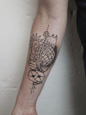 #graphictattoo #dotworktattoo #geometrictattoo #blackwork #lineworktattoo #tattooed #besttattoos #bodyart #ink #tattoos #abstracttattoo #collage #art #armtattoos #boytattoo #girlswithtattoos #tattooinspiration