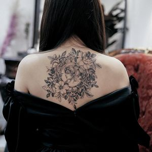 Tattoo by Zihwa #Zihwa #openbookings #cooltattoos #blackandgrey #illustrative #flower #floral #nature #plants #leaves #ivy #portrait #ladyhead #lady #beauty